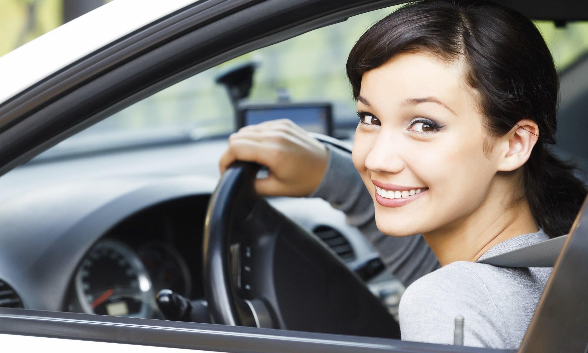 Inmigrantes sin documentos podrán obtener licencia de conducir