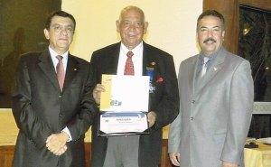 Premian a ingeniero puertorriqueño en asamblea en Bolivia