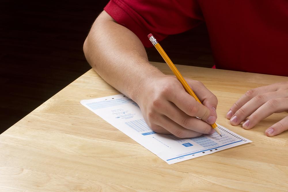 Cámara aprueba proyecto de ley de College Board gratuito