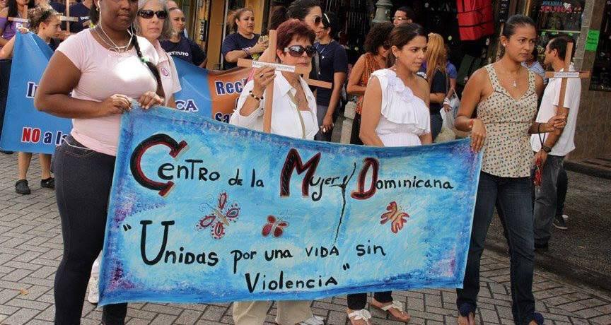 Mujeres protestan contra la agresión sexual