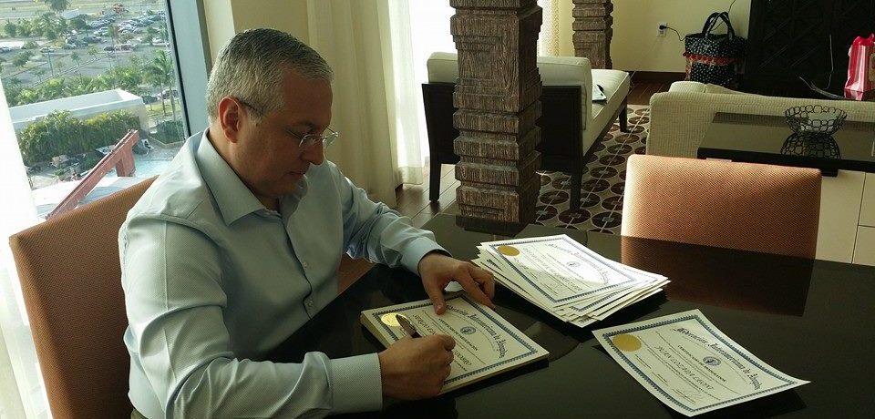 Lcdo. Carlos López López