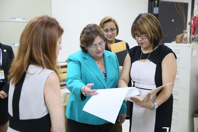 Región judicial de Mayagüez firma alianza cooperativa con Servicios Legales