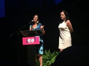 Karen Rossi, coordinadora creativa de vídeos, y Mari Mari Narváez, directora de proyecto EA