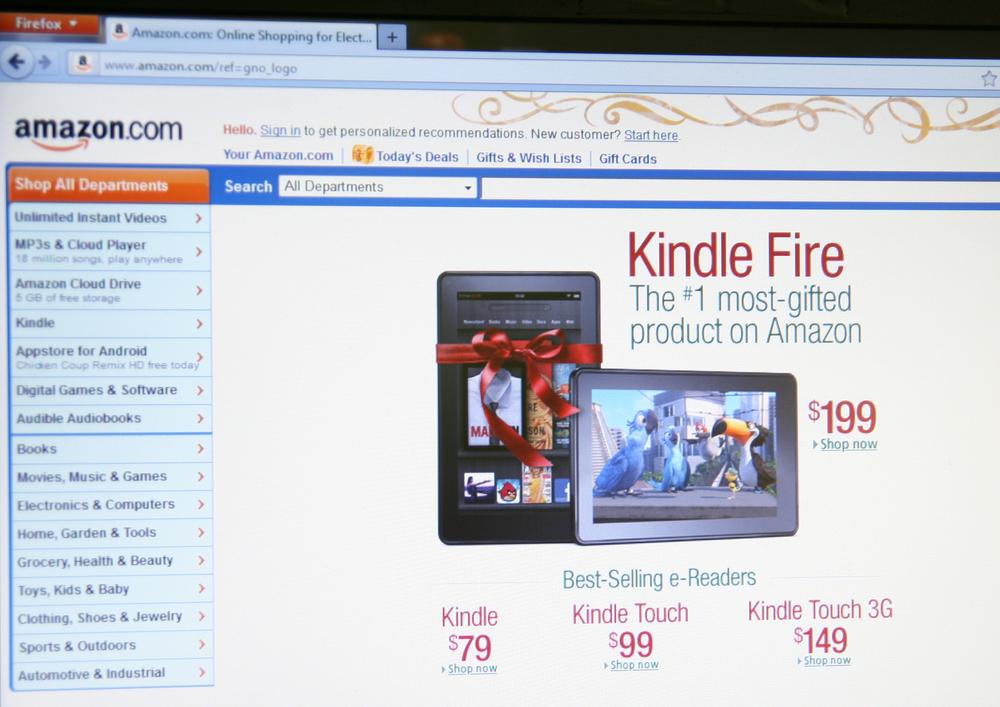 Amazon demanda por críticas falsas