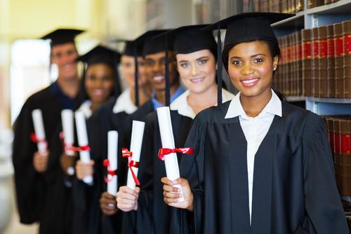 Decano de escuela de Derecho atribuye bajo índice de aprobación en reválida a vagancia estudiantil