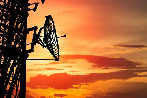Prohibidos cargos por mora en servicios de telecomunicaciones facturados por adelantado