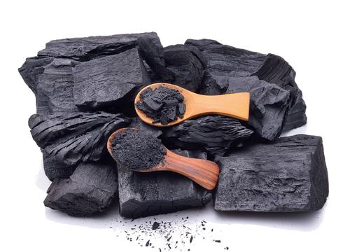 Carbón artesanal será primer producto a exportarse desde Cuba a EEUU