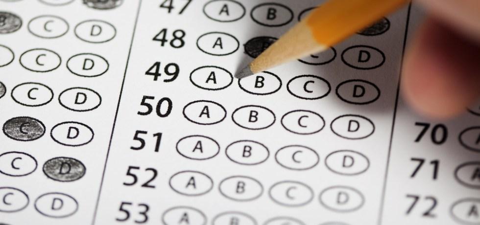 Decanos hacen frente común en contra del LSAT como único examen de admisión