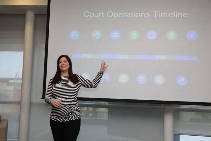 Jueza Presidenta recibió a estudiantes de la Clínica Legal de UB Law que colaboraron con la recuperación de Puerto Rico