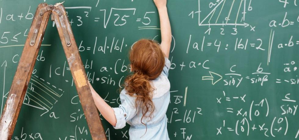 Gobernador convierte en ley tres proyectos en beneficio de estudiantes dotados