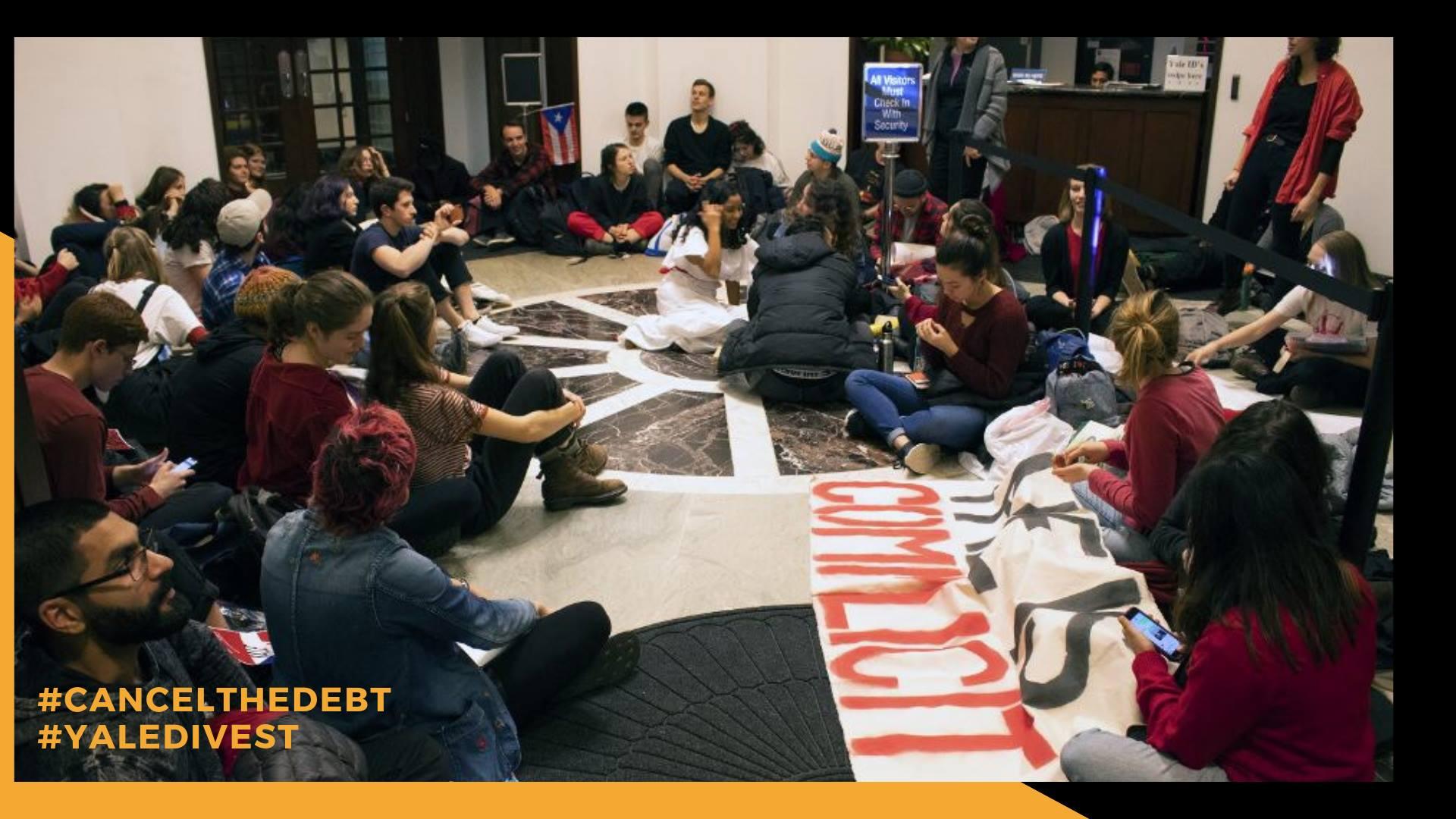 Estudiantes de Yale protestan por los intereses de esa universidad en la deuda de Puerto Rico