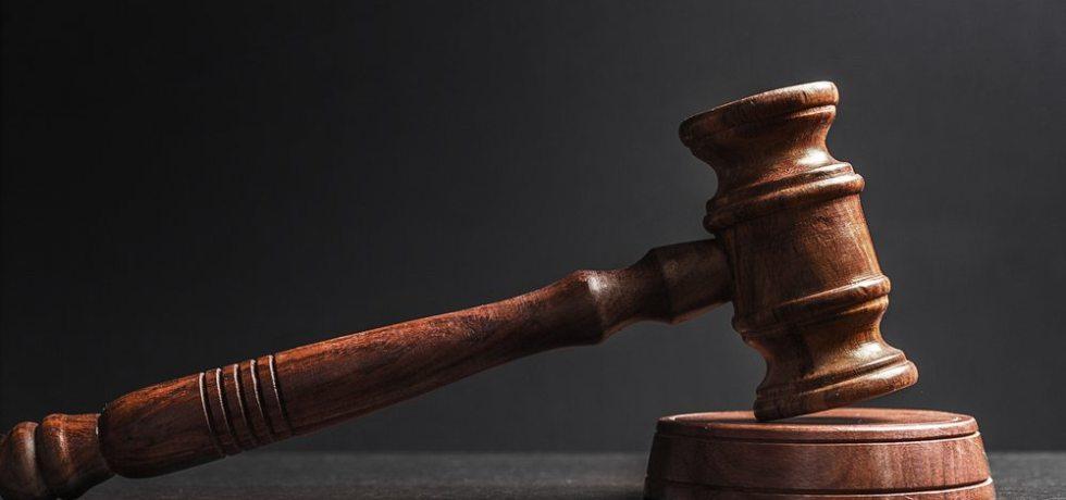 Bajo la mirilla juez de quiebras que ha ordenado encarcelación inusual de personas