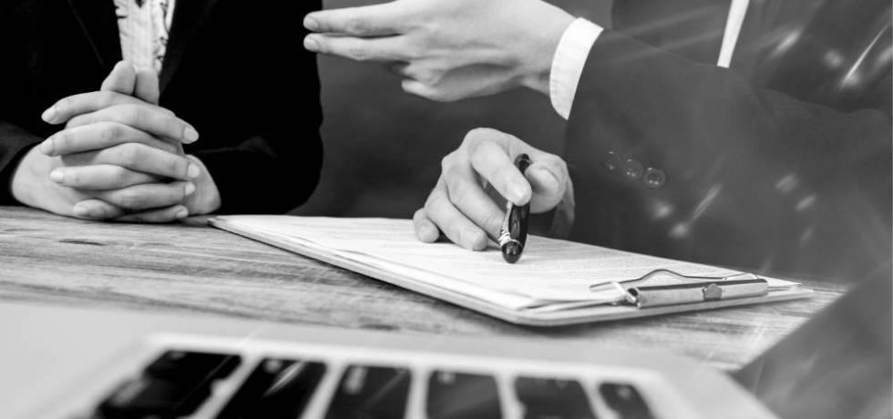Las cláusulas de arbitraje son aplicables a las controversias por despido injustificado