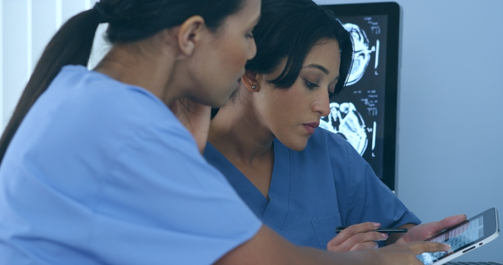médicos doctoras enfermeras salud