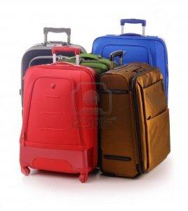 9642758-equipaje-consistente-de-grandes-maletas-aislados-en-blanco