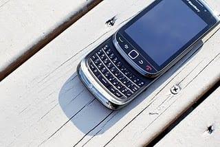 Harga Dan Spesifikasi Blackberry Torch 2