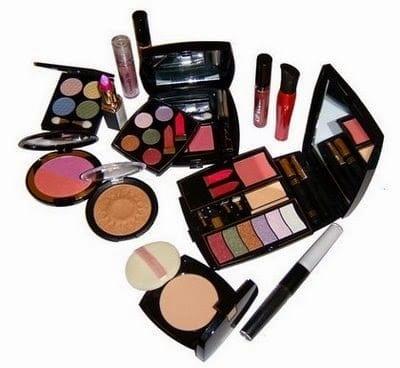 Peralatan kosmetik