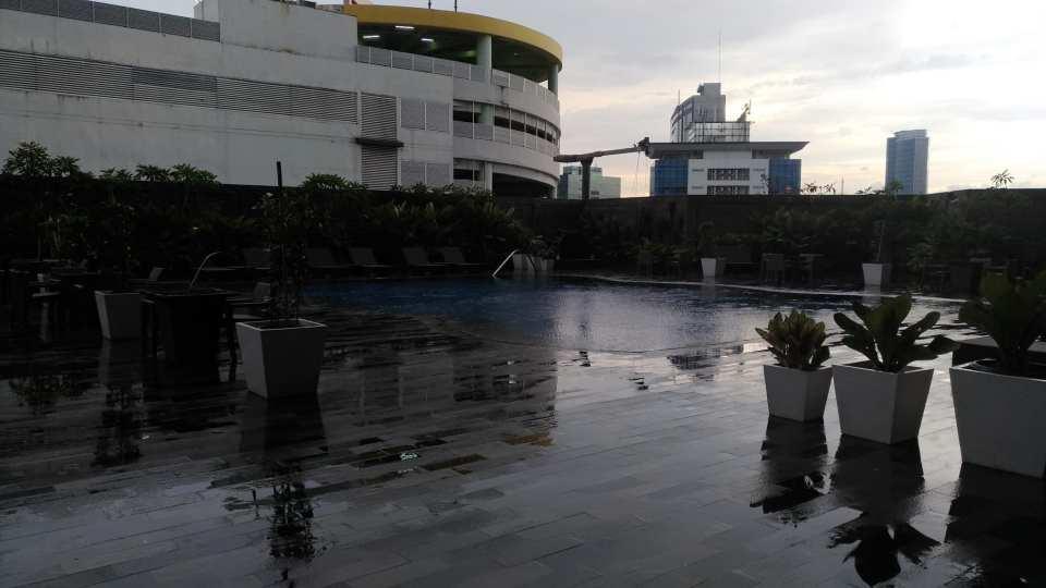 Grand Mercure Kemayoran Swimming Pool