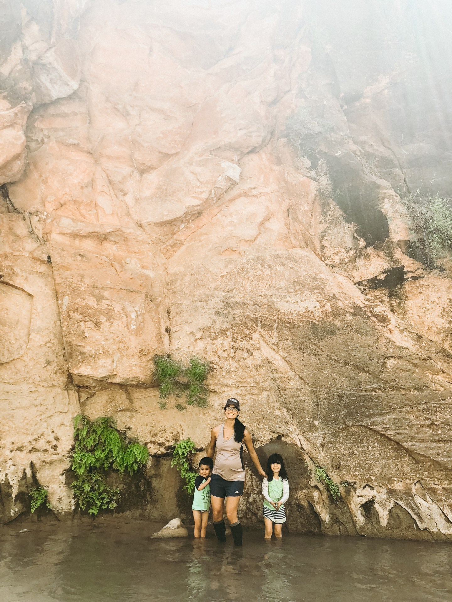 hiking the narrows with kids