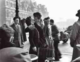 Doisneau - Le baiser de l'hôtel de ville