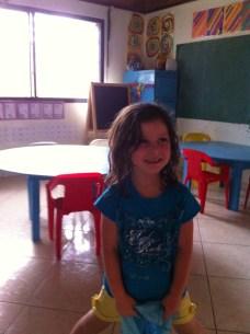Calliopée dans sa classe de maternelle à Rio San Juan