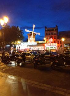 6. Moulin Rouge