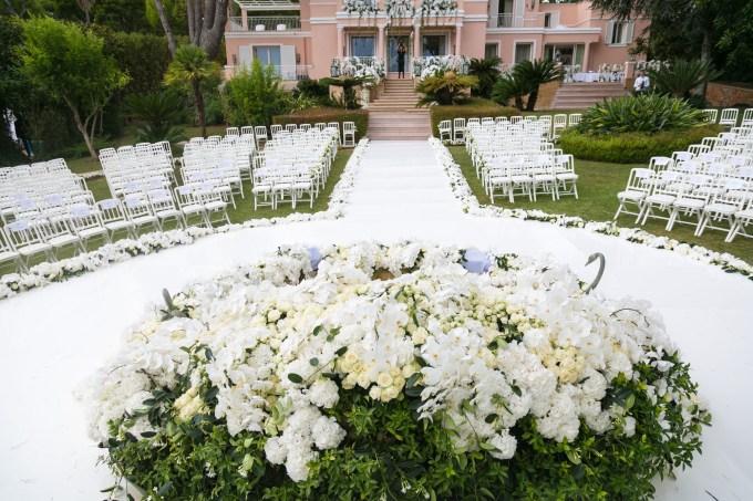 La-Villa-Rose-Pierre-garden-ceremony
