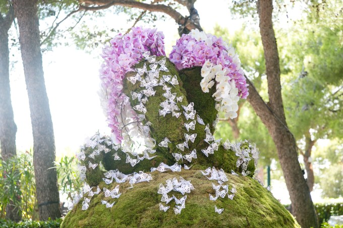 butterfly-floral-display