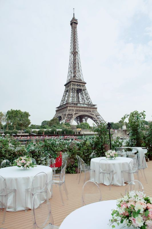 pavilion-seine-eiffel-tower-view