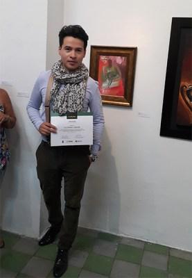 """Alejandro Londoño con su obra """"Él"""" en el palacio de Bellas Artes"""