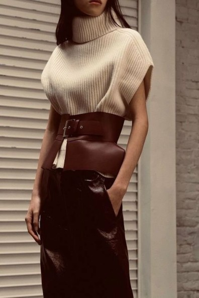 large_Fustany-how-to-wear-belts-with-knit-wear-14~1