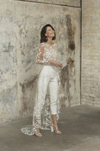 large_Fustany-9-Bridal-Engagement-Looks-That-Are-Not-Dresses-07~1