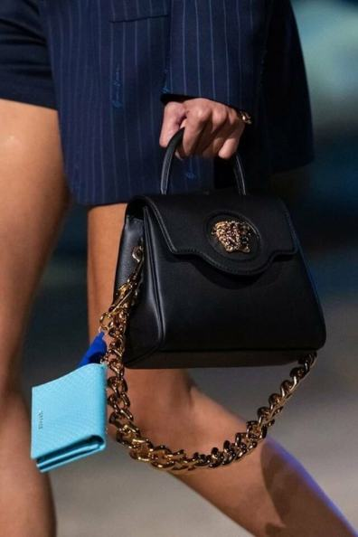 large_Fustany-fashion-accessories-how-to-style-evening-shoulder-bags-10~1