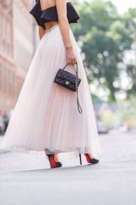 large_Fustany-fashion-accessories-how-to-style-evening-shoulder-bags-12~1