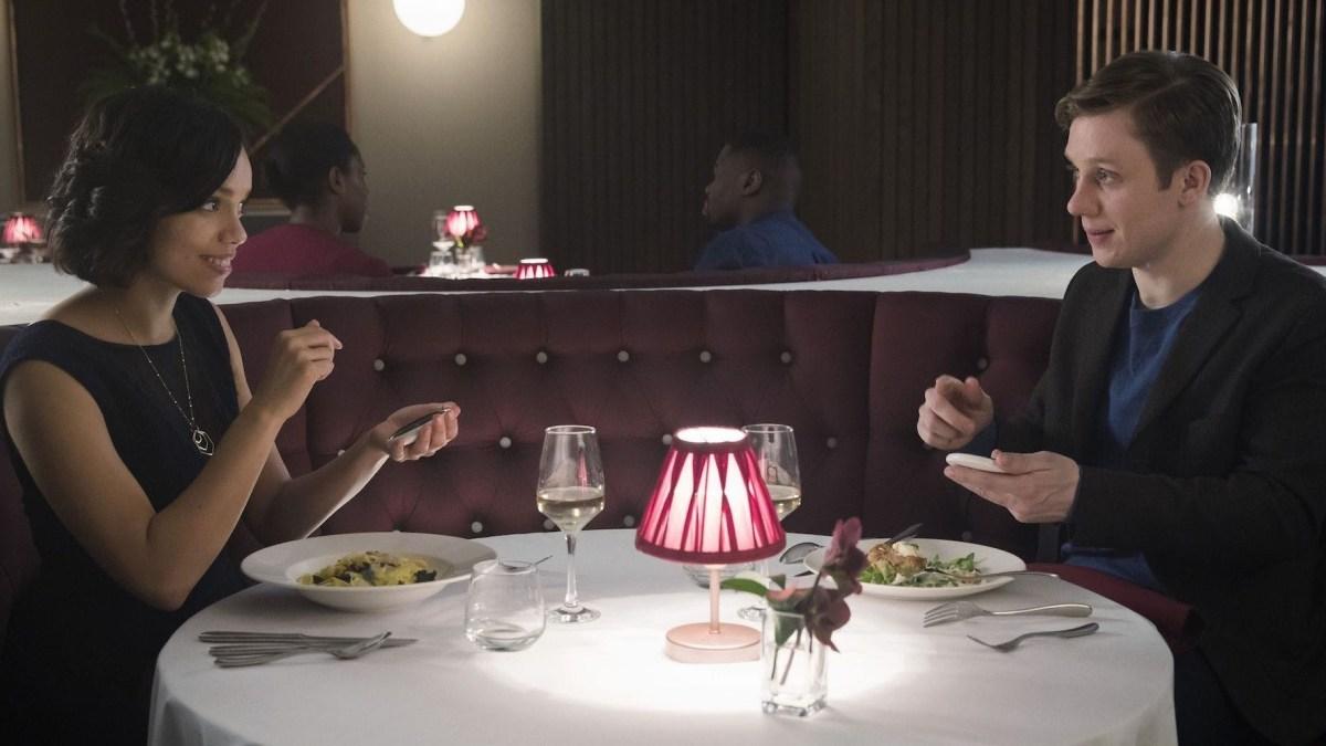 Black Mirror 4x04—Hang the DJ: O diálogo e a arte de falar por outras palavras