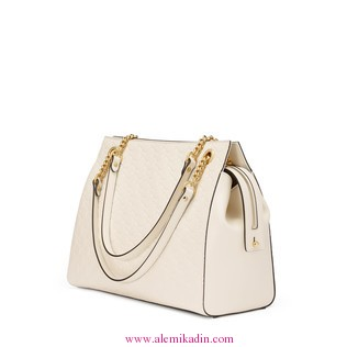 Gucci_Canta0_Light-Soft-Gucci-Signature-shoulder-bag-1