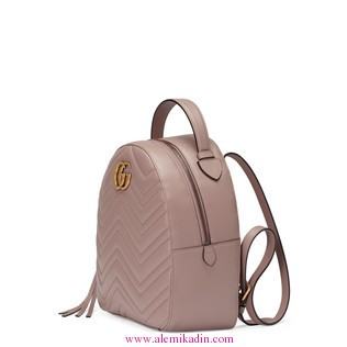 Gucci_CantaLight-GG-Marmont-quilted-leather-backpack-1