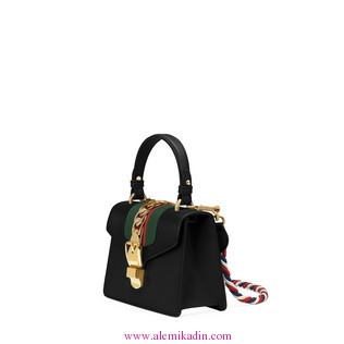 Gucci_Canta_Light-Sylvie-leather-mini-bag-1