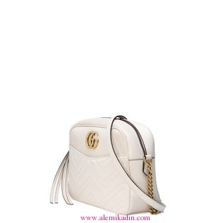 Gucci_Cantaarmont-matelass-shoulder-bag-1