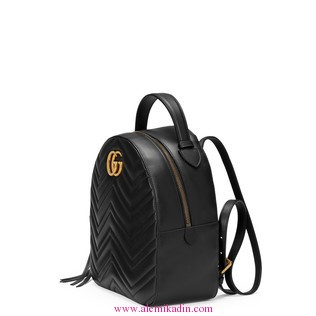 Gucci_Light-GG-Marmont-quilted-leather-backpack-1