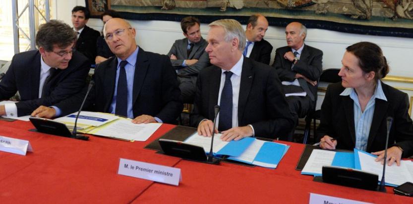 Claire Waysand, à ses côtés Jean-Marc Ayrault et Michel Sapin