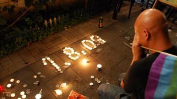 Mourner in Gan Meir 2009