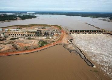 SOTERRADOS: Acidente na usina Santo Antônio acaba com trabalhador morto e outro desaparecido
