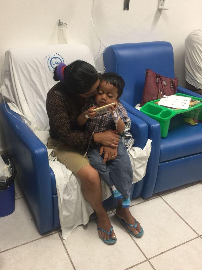 La batalla de una madre y su hijo ante una enfermedad rara WhatsApp Image 2018 02 27 at 2.57.05 PM