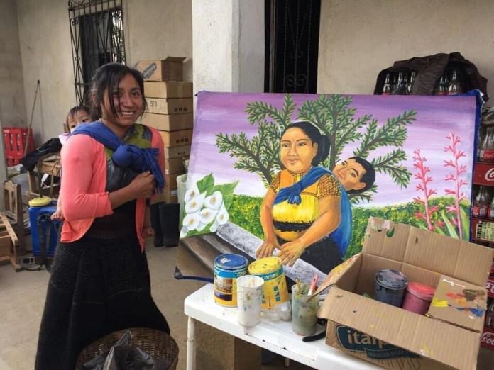 Pintora de San Juan Chamula visita exposición de artista queretano aa658a55 4e6e 433f 861f 9006f92b53fc