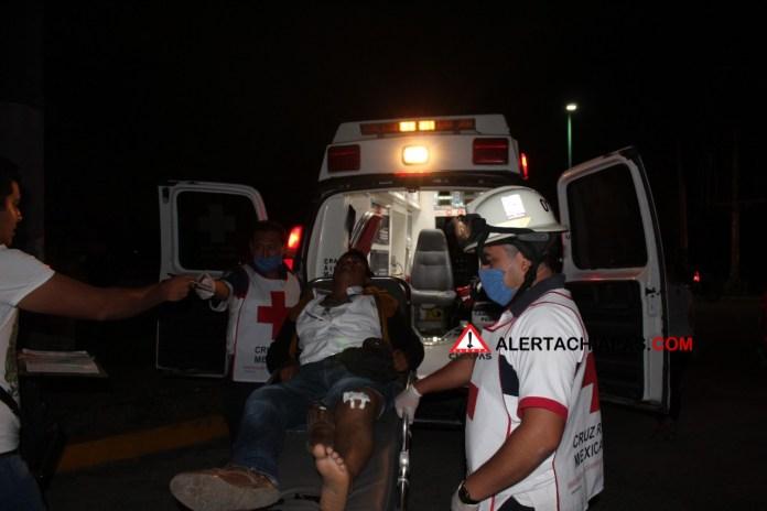 Colectivero huye tras atropellar a motociclista en el crucero de la Coca img 6283