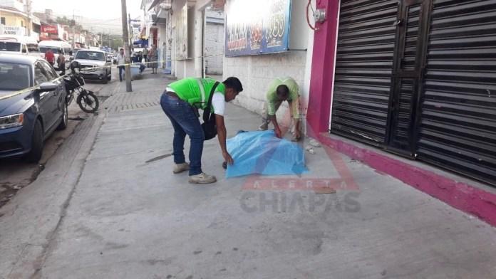 Hallan hombre muerto en la vía pública #Tuxtla img 1086