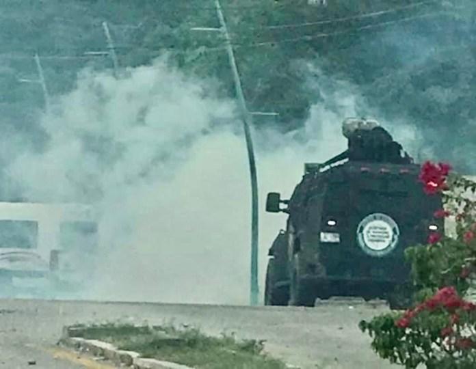 Dos policías heridos en desalojo de normalistas de la Mactumactzá 1b9a99e5 ad8f 4f19 8840 f82e3f02575c