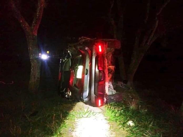 Volcadura en Llano San Juan deja cuatro personas muertas img 6760