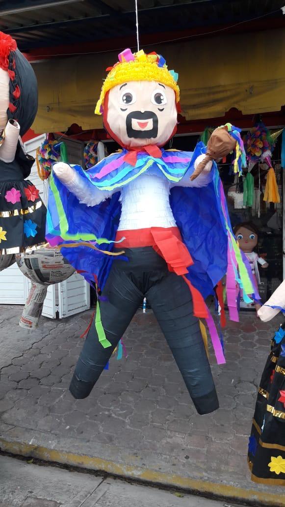 Piñatería tuxtleca promueve el amor por la Fiesta Grande de Enero 61517f94 2ae8 4c03 b216 3296e56717c6